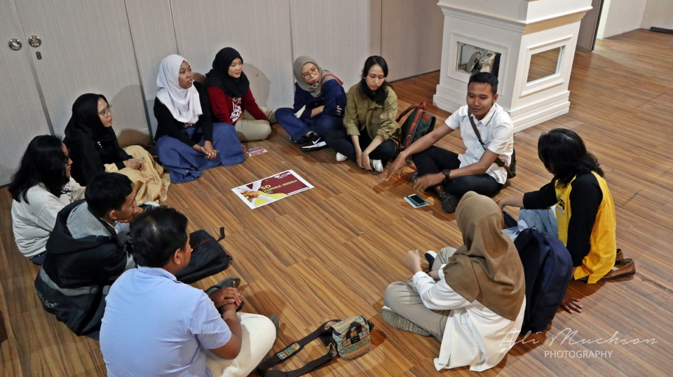 Komunikasi dan Dialog