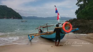 Pantai Teluk Hijau Banyuwangi : Eksotika Pantai dan Air Terjunnya Memanjakan Mata