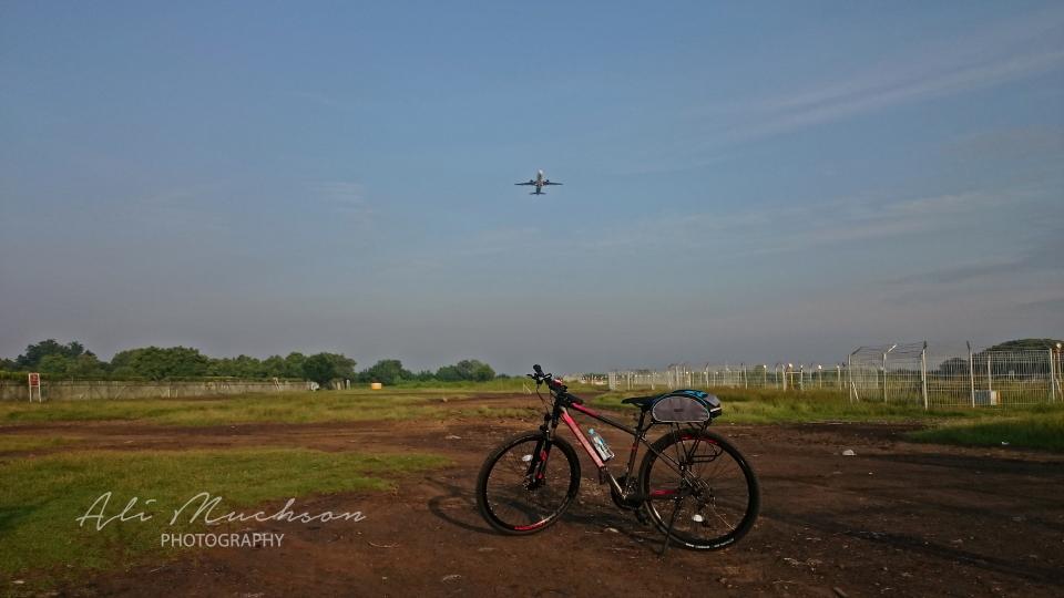 Area belakang Bandara Juanda