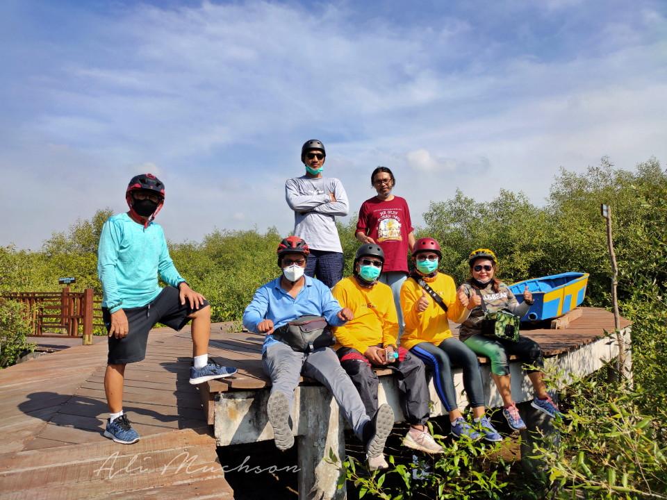 Jogging track Mangrove Gunung Anyar Surabaya.
