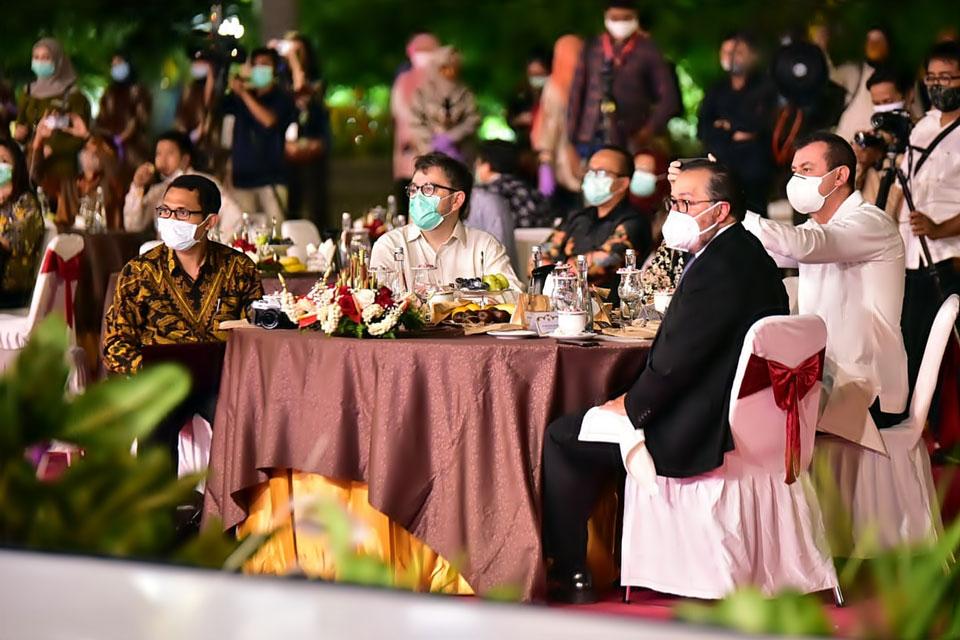 Para Delegasi World Habitat Day 2020 sedang mengikuti sambutan Presiden Joko Widodo