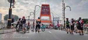 Jembatan Joyoboyo Surabaya : Pesepeda Serbu untuk Selfie atau Wefie