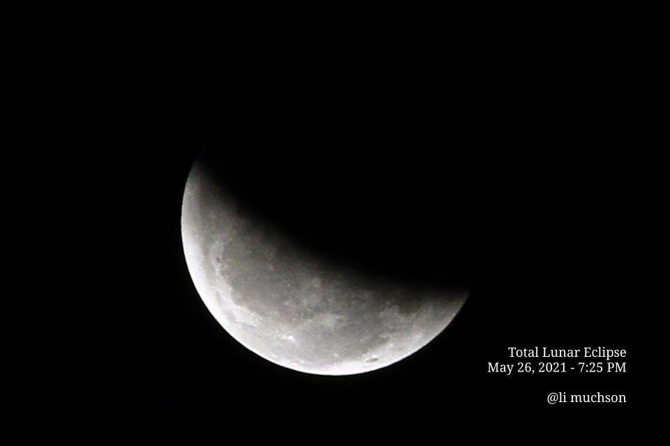 Gerhana Bulan Total Hadirkan Dua Fenomena Langka