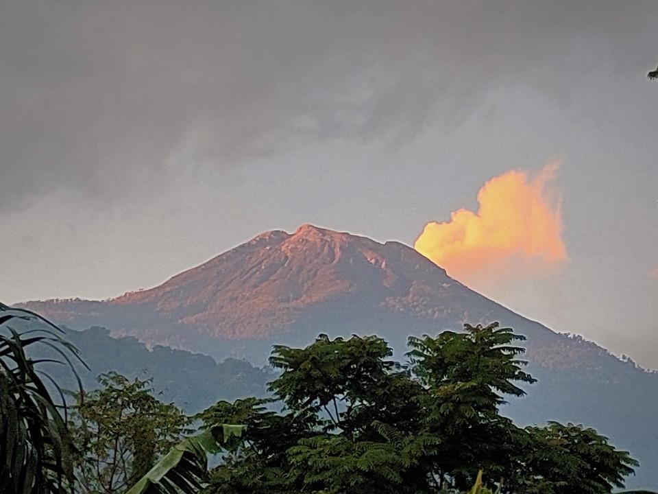 """Nikmati Akhir Pekan di Lembah Gunung Welirang, """"Ngadem"""" di Villa Berusia 43 Tahun"""