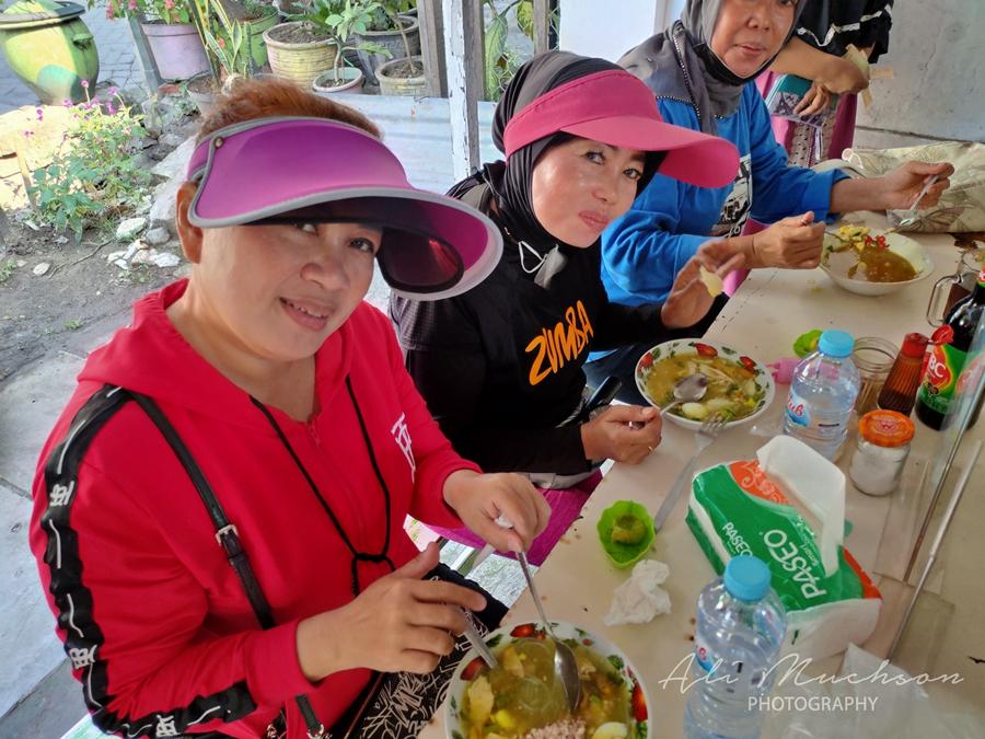 Soto Ayam Lamongan Cak Priyo  Medokan Ayu Surabaya